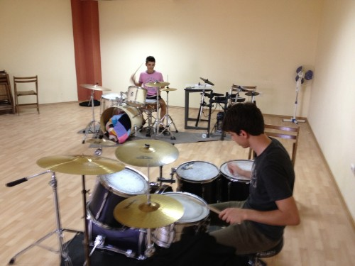 Tobe (Drums) taught with alumni Emi Kui