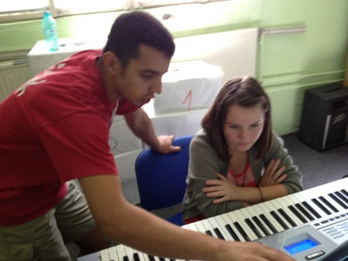 Keyboard Class with alumni Flori
